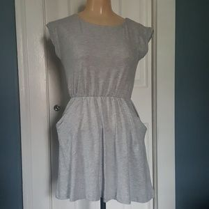 Crazy 8 Grey Cotton Dress Perfect for the Pool 7-8